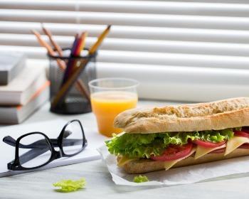 9 Razões para não Almoçar no Trabalho