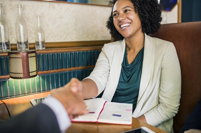 Procure enfatizar o aspecto profissional ao falar sobre você