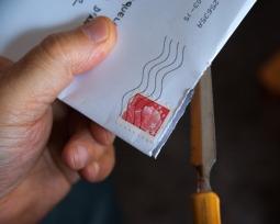 Saiba o que é a carta de cobrança: 4 exemplos efetivos
