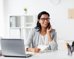 As 7 razões para contatar o entrevistador após a entrevista