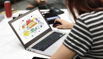 Currículo criativo: baixe e use diversos modelos gratuitamente