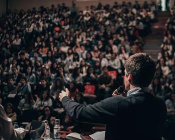 Oratória: 10 dicas importantes para falar bem em público
