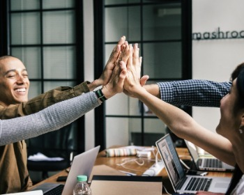 Dinâmica de grupo: 8 exemplos rápidos para usar com a sua equipe