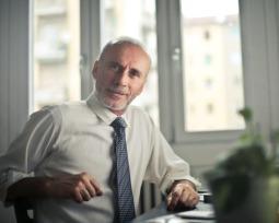 Tem mais de 50 anos? 7 dicas fundamentais para conseguir um emprego!