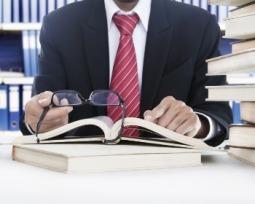Como responder a perguntas sobre livros na entrevista de emprego