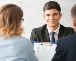 Top 10 das perguntas para entrevistar uma pessoa