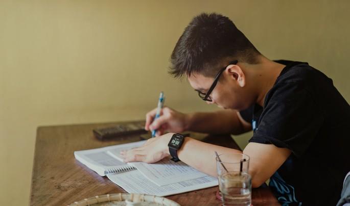 A capacidade de concentração é fortalecida com o hábito consistente da leitura