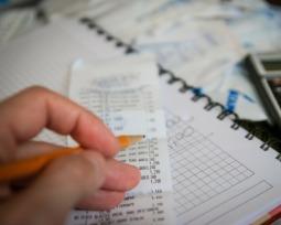 Confira a tabela de cargos e salários da área financeira