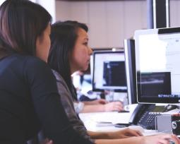 Confira a tabela de cargos e salários da área de tecnologia da informação