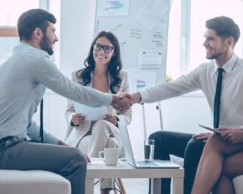Meça bem as vantagens e as desvantagens do recrutamento interno e externo