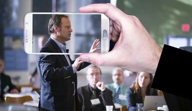 A capacidade de contar histórias do storyteller pode fortalecer a marca da empresa
