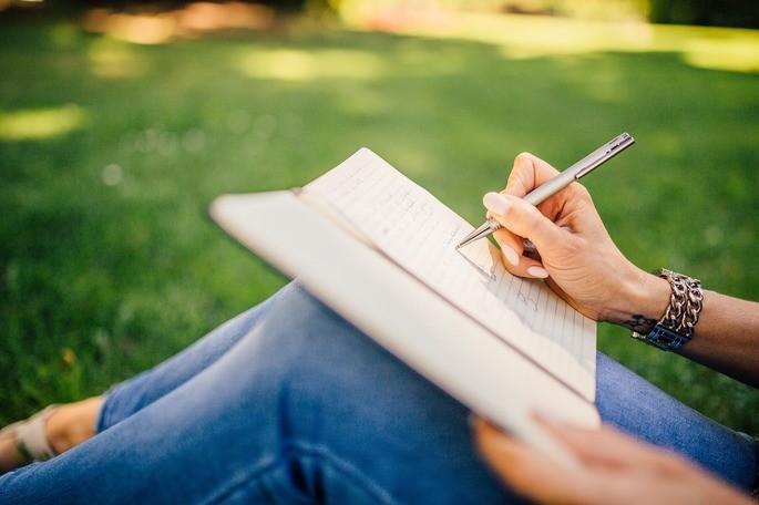Formule perguntas a respeito do que leu, assim acabará por interagir com o texto